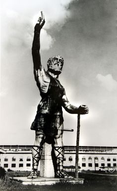 Vulcan at state fairgrounds...(notice that when they assembled him they put his right hand on backwards)