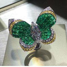 via @watchfreak #EmeraldGoals @vancleefarpels