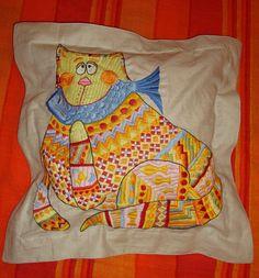 "подушка "" кот"" (лен, вышивка гладью)"