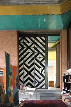 Con cajas de pizza... OKOLO carlo scarpa casa tabarelli rediscovered sklada gallery