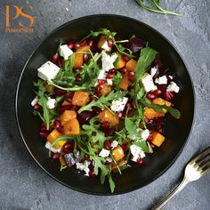 Thanksgiving Dinner Salad Recipes is Among the Favorite Salad Of Many People Across the World. Besides Simple to Produce and Great Taste, This Thanksgiving Dinner Salad Recipes Also Health Indeed. Beet Salad Recipes, Salad Recipes For Dinner, Dinner Salads, Healthy Cooking, Healthy Eating, Healthy Recipes, Thanksgiving Games, Macro Friendly Recipes, Clean Eating Diet