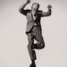Philippe Halsmans Jump Book awesome facsimile edition by #Damiani available from artbook.com / ARTBOOK | D.A.P. Capt. Edward Steichen @philippe_halsman_official @andreaalbertinidamiani #philippehalsman #jumpbook #jump #black-and-white-photography @life #edwardsteichen by artbook
