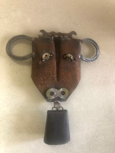 Excited to share this item from my shop: Cow with Cowbell wall art Metal Yard Art, Metal Art, Horseshoe Art, Horseshoe Ideas, Yard Sculptures, Cow Face, Cow Head, Scrap Material, Found Object Art
