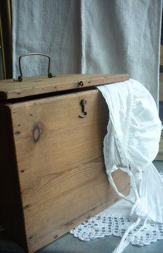 boîte à coiffe bois blond chez labrocantedenel.canalblog.com