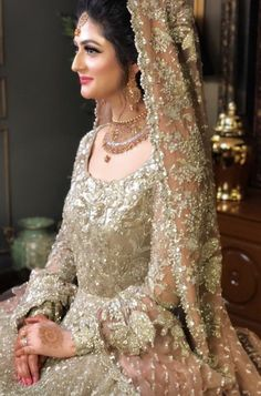 The detailing is killing me 😍 Pakistani Bridal Makeup, Bridal Mehndi Dresses, Walima Dress, Asian Wedding Dress, Shadi Dresses, Pakistani Wedding Outfits, Bridal Dress Design, Pakistani Wedding Dresses, Bridal Outfits