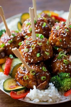 You're going to love these tender, flavorful sticky asian meatballs! They… You're going to love these tender, flavorful sticky asian meatballs! They're easy to make and ready to serve in just 30 minutes! Pork Recipes, Asian Recipes, Chicken Recipes, Cooking Recipes, Healthy Recipes, Ethnic Recipes, Recipies, Asian Meatballs, Meatballs And Rice