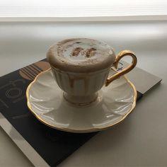 The Rancilio Silvia Espresso Machine Makes Coffee Time At Home Wonderful Coffee Cafe, Coffee Drinks, Coffee Shop, Coffee Milk, Milk Tea, Aesthetic Coffee, Aesthetic Food, Coffee Photography, But First Coffee