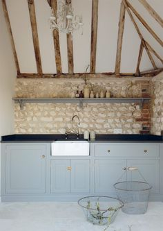 The South Downs Pool House Kitchen by deVOL. The beautiful shaker cupboards are painted in 'Lead'. Mini Kitchen, Shaker Kitchen, Barn Kitchen, Vintage Kitchen, Loft Kitchen, Kitchen Living, Devol Kitchens, Home Kitchens, Dream Kitchens