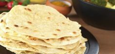 Caribbean Roti Recipe is a type of flat, unleavened bread recipe famous in South Asian countries like India and Pakistan. Sin Gluten, Roti Bread, Trini Food, Indian Diet, Indian Foods, Caribbean Recipes, Caribbean Food, Jamaican Recipes, Jamaican Roti Recipe