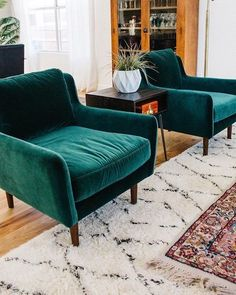 The video below shows how to restore color to a velvet chair with leather dye. Bought A New Velvet Chair For My Cheap Furniture, Pallet Furniture, Home Furniture, Furniture Dolly, Furniture Removal, Furniture Stores, Furniture Ideas, Discount Furniture, Modern Furniture