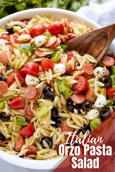Classic Italian orzo pasta salad, complete with a homemade dressing and mini pepperonis. This traditional American pasta salad is great with an orzo pasta twist. The post Classic Italian orzo pasta salad, complete with a … appeared first on Woman Casual. Summer Pasta Recipes, Orzo Salad Recipes, Healthy Salad Recipes, Dinner Recipes, Healthy Dishes, Italian Salad Recipes, Caprese Pasta Salad, Healthy Meals, Recipe For Orzo Pasta