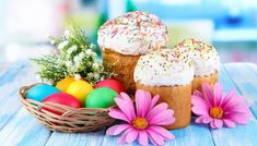 By Mary Jane Maxwell This year on April many American Christians will celebrate Easter — the oldest and most important holy day of the Christian calendar. Easter commemorates the resurrection of Jesus Christ. Jeff Green, Come Dine With Me, Easter Traditions, Disney Mickey Mouse, Kids Cards, Holidays And Events, Happy Easter, All The Colors, Easter Eggs