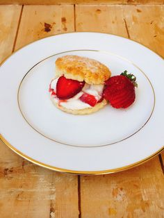 A Nigella inspired Strawberry Shortcake with sweetened whipped cream! Sweetened Whipped Cream, Nigella, Strawberry Shortcake, Hot Dog Buns, Inspired, Baking, Breakfast, Food, Meal