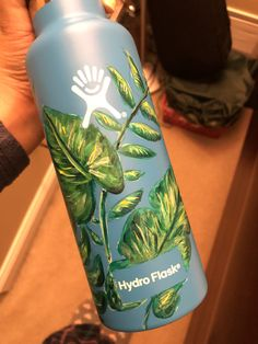 VSCO What's Up With These Flashy Vacuum Cleaners? Water Bottle Art, Cute Water Bottles, Water Bottle Design, Hydro Painting, Bottle Painting, Custom Hydro Flask, Hydro Flask Water Bottle, Aesthetic Painting, Posca