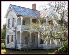 Great Old Home of Florida - lost somewhere in the rural countryside south of Ocala.