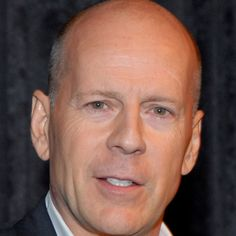 Detail the life of Bruce Willis, star of Hollywood blockbusters such as <i>Die Hard</i>, <i>Pulp Fiction</i>, <i>The Sixth Sense</i> and <i>The Expendables</i>, on Biography.com.