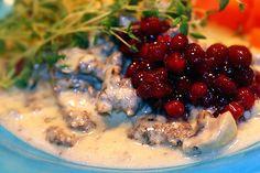 Renskav med messmör | Kryddburken Swedish Traditions, Swedish Recipes, I Love Food, Holiday Recipes, Panna Cotta, Nom Nom, Bbq, Deserts, Food And Drink