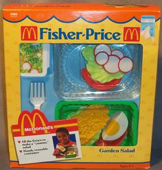 they need to bring stuff like this back! Looks better than all the cheap miscolored play food, we have now. Jouets Fisher Price, Fisher Price Toys, Vintage Fisher Price, Childhood Memories 90s, Childhood Toys, Vintage Toys 80s, Baby Alive Dolls, Kids Growing Up, Little Tikes
