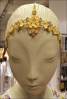 If your mannequins are simple and stylized, a good contrast is accessorizing with rich detail like this BCBG Cosplay Crowning Glory example. Close Up, Cosplay, Detail, Fashion, Moda, La Mode, Fasion, Fashion Models, Trendy Fashion
