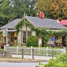 'Postmasters Restaurant, Arrowtown, New Zealand' by Elaine Teague Weather In New Zealand, Fly To New Zealand, New Zealand Beach, New Zealand Food, Visit New Zealand, Arrowtown New Zealand, Beautiful Sunrise, Snorkeling, Homeland