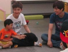 Kaisoo with children Kaisoo, Kyungsoo, Exo Ot12, Chanbaek, Chanyeol, Exo Group Photo, Exo For Life, Do I Love Him, Exo Stickers