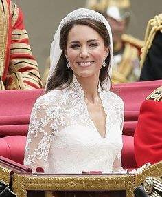 Kate Middleton wedding dress. Love the lace but with a sweetheart top