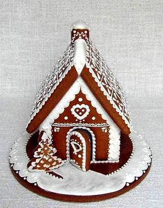 gingerbread house, simple and pretty. Gingerbread House Parties, Gingerbread Village, Christmas Gingerbread House, Christmas Love, Christmas Goodies, Gingerbread Man, Gingerbread Cookies, Xmas, Czech Desserts
