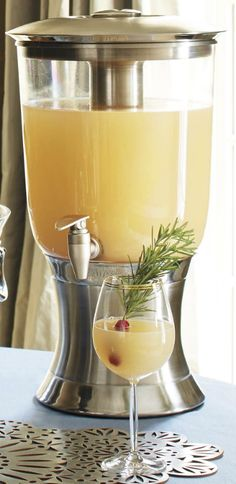 Featuring the advanced cooling technology of our innovative Durachill Dispenser and a sleek design inspired by our Optima Serveware collection, this stylish Beverage Dispenser brings a touch of sophistication, as well as perfectly chilled drinks, to all your soirees.