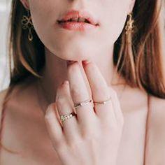 """7b94f1dd7 Bigben on Instagram: """"Um solitário em cada dedo porque pouco brilho é  bobagem! Temos o anel perfeito para os seus sonhos."""""""