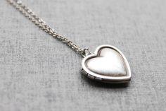 Vintage style Simple Heart Locket - S2092