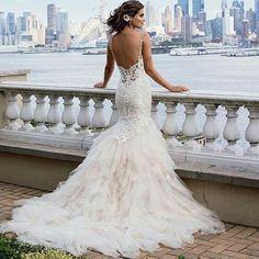 VESTIDO DE NOVIA #wedding #party #weddingparty #TagsForLikes #celebration @tags4likesandroidapp #bride #groom #bridesmaids #happy #happiness #unforgettable #love #forever #weddingdress #weddinggown #weddingcake #family #smiles #together #ceremony #romance #marriage #weddingday #flowers #celebrate #instawed #instawedding #party #congrats http://gelinshop.com/ipost/1518664425392239137/?code=BUTYT-ohvIh