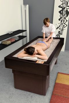 SABBIA: professional massage bed with sand