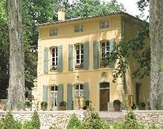 When house is placed correctly, allowing winds in, high windows move air through house keeping it cool; Pavillon de la Torse