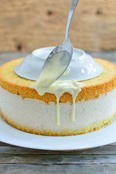 Baked apples cake with white chocolate glaze Chocolate Glaze, Chocolate Recipes, White Chocolate, Romanian Desserts, Apple Cake, Carrot Cake, Baked Apples, Savoury Cake, Dessert Bars