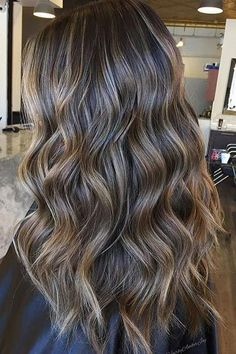 Long Wavy Ash-Brown Balayage - 20 Light Brown Hair Color Ideas for Your New Look - The Trending Hairstyle Blonde Balayage Highlights, Brown Hair Balayage, Brown Blonde Hair, Ombre Hair, Babylights Brunette, Mocha Brown Hair, Balyage Long Hair, Brunette With Lowlights, Brown Hair With Lowlights