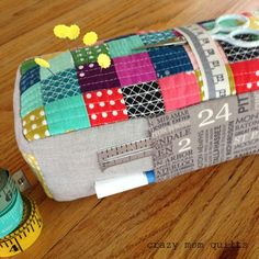Welcome to finish it up Friday! You all know how much I love a good pin cushion...well...this one knocks all other pin cushions out of the park! The pattern is in Anna's lovely new book Handmade Style