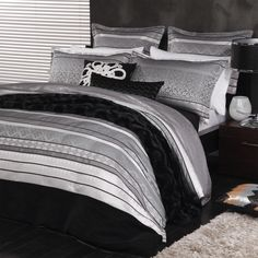 Sassie Black Duvet Cover Set  http://www.luxurylinen.co.nz/logan-and-mason-sassie-black-duvet-cover-set.html