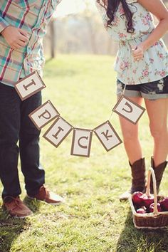 . Cute Engagement Session Idea