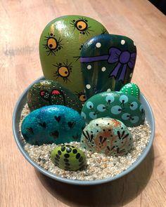 "58 Likes, 3 Comments - Vicky Friis-Jæger (@vickyfriisjaeger) on Instagram: "" #cacti #cactus #paintedrocksofinstagram #creativity #stoneart #painting #posca #malerpåsten…"""