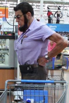 Babe Lincoln Shops at Walmart - Funny Pictures at Walmart