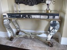 Close up of mirrored console