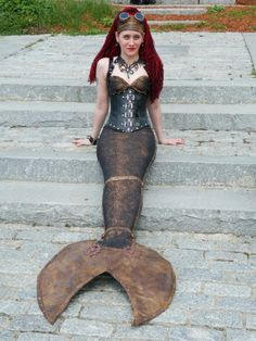 Steampunk Mermaid…. How could you walk in that? I guess you couldn't. It would be great, though, for someone who needed to be immobile and at a party.