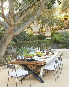 "118 Likes, 4 Comments - Ciao Newport Beach (@ciaofabiana) on Instagram: ""Entertaining goals. Love this outdoor table spotted in @verandamag. . . . #tablescape #tablesetting…"""