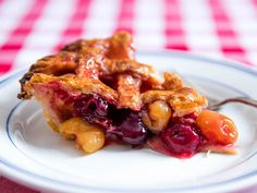 """The Best Cherry Pie (With Fresh or Frozen Fruit) Recipe -- """"Or, use an equal weight of frozen cherries, thawed until softened. It's the same amount of liquid you'd find in fresh fruit. Cherry Recipes, Fruit Recipes, Pie Recipes, Dessert Recipes, Cherry Desserts, Fresh Cherry Pie Recipe, Dessert Ideas, Breakfast Recipes, Recipes"""