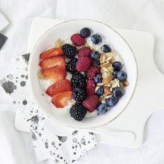 Beeren-Quinoa-Joghurt