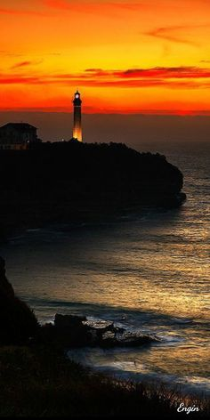 "Joe Onyero on Bebuzee: ""Lighthouse sunset"" Pretty Pictures, Cool Photos, Amazing Photos, Beautiful World, Beautiful Places, Amazing Places, Lighthouse Pictures, Amazing Sunsets, Beautiful Sunrise"