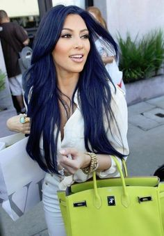 Kim K……love The Purse!! And Its Green!