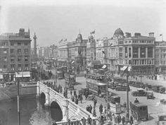 View of O'Connell Bridge and monument, Dublin, 1928 × Paris Skyline, New York Skyline, Horse Carriage, Black N White Images, Historical Pictures, Vintage Pictures, Dublin, Old Photos, San Francisco Skyline