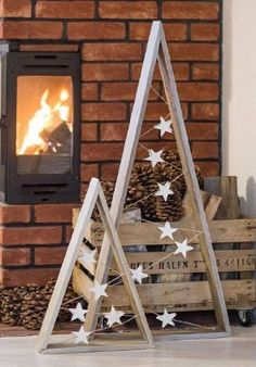 17 diy simple and beautiful christmas wood – Home . 17 diy simple and beautiful christmas wood – Home Decor Wood Christmas Tree, Christmas Tree Painting, Winter Christmas, Christmas Ornaments, Holiday Tree, Christmas Tree Out Of Lights, Ideas For Christmas Trees, Diy Outdoor Christmas Decorations, Simple Christmas Crafts
