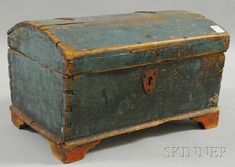 Small Polychrome-painted Pine Dovetail-constructed Dome-top Chest, northern Europe, 18th century.